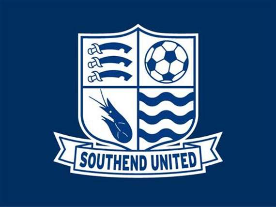 Southend United: Marc-Antoine Fortune signs new Blues deal